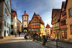 German-Culture-and-Traditions-696×464